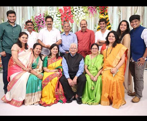 aadesh suchitra bandekar family photo