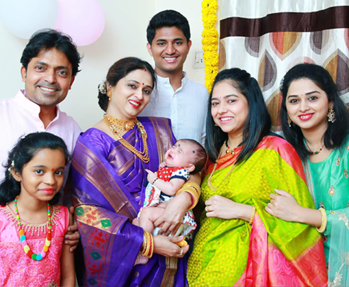 anshuman wichare with wife adv pallavi vichare family