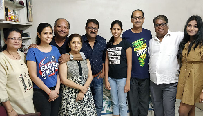 vijay kadam family friends photo